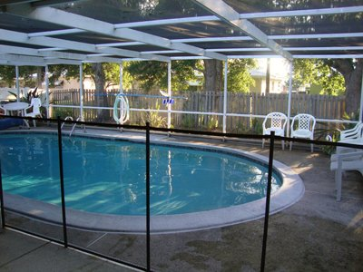 Classic-Guard-Swimming-Pool-Fence-Child-Safety-Pool-Safety-Mesh-Fence-4-Feet-Tall-and-12-Feet-Long-0-0