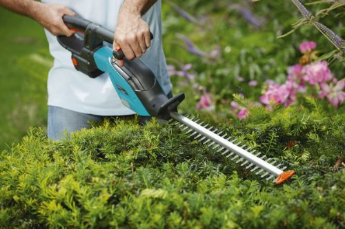 Gardena-8878-U-18-Volt-Lithium-Ion-Cordless-Hedge-Trimmer-0-0